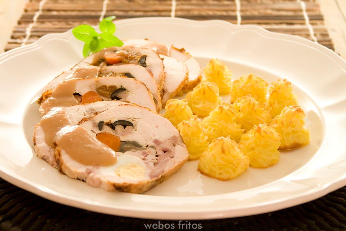 Pollo relleno webos fritos - Guarniciones para carne en salsa ...