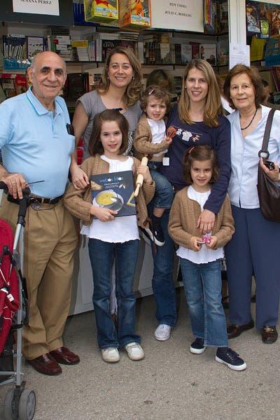 Con Isabel, Julián, Teresa, Paula, Marta y Elena