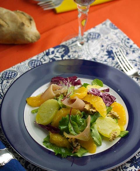 Ensalada templada de naranja y marlín
