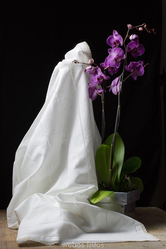 Mantel con orquideas