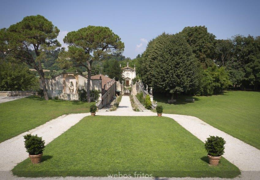 La entrada desde Villa la Rotonda