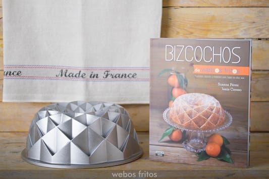 Libro 'Bizcochos' y molde Nordic Ware