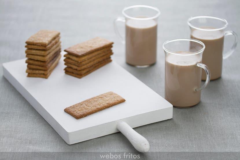 Receta completa disponible en | Full recipe available at: webos fritos