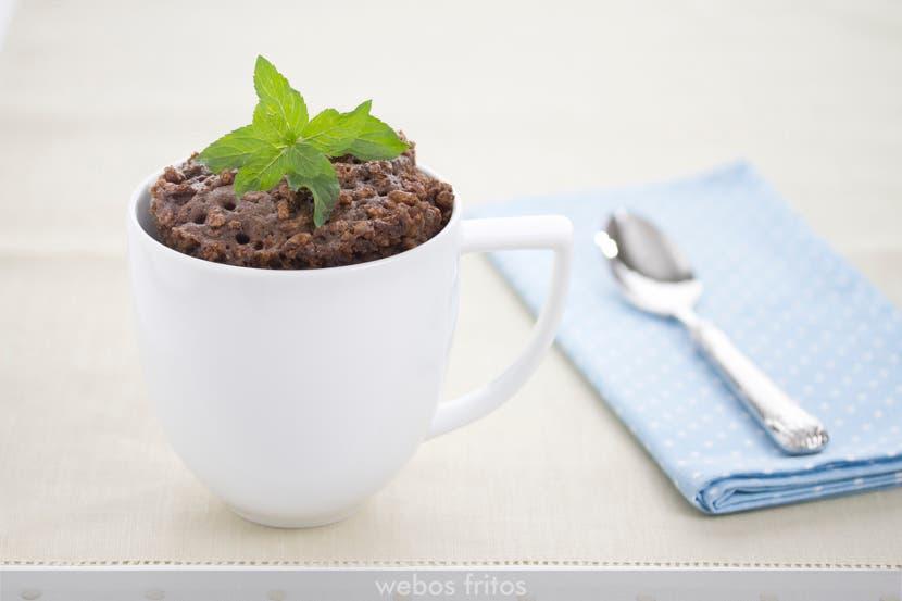 Mug cake de chocolate crujiente