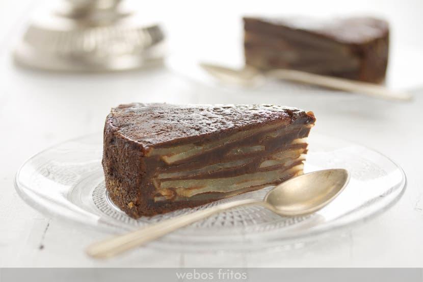 Ración de bizcocho invisible de pera y chocolate