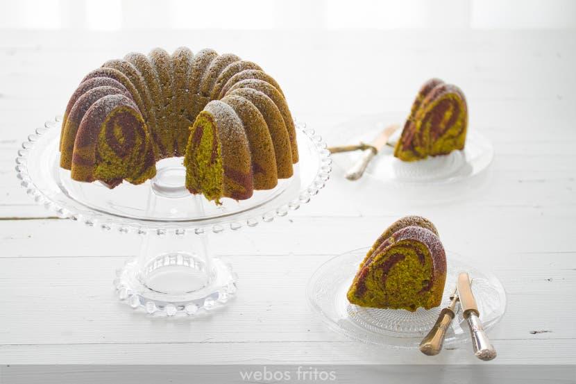 Bundt cake marmolado de té Matcha y chocolate