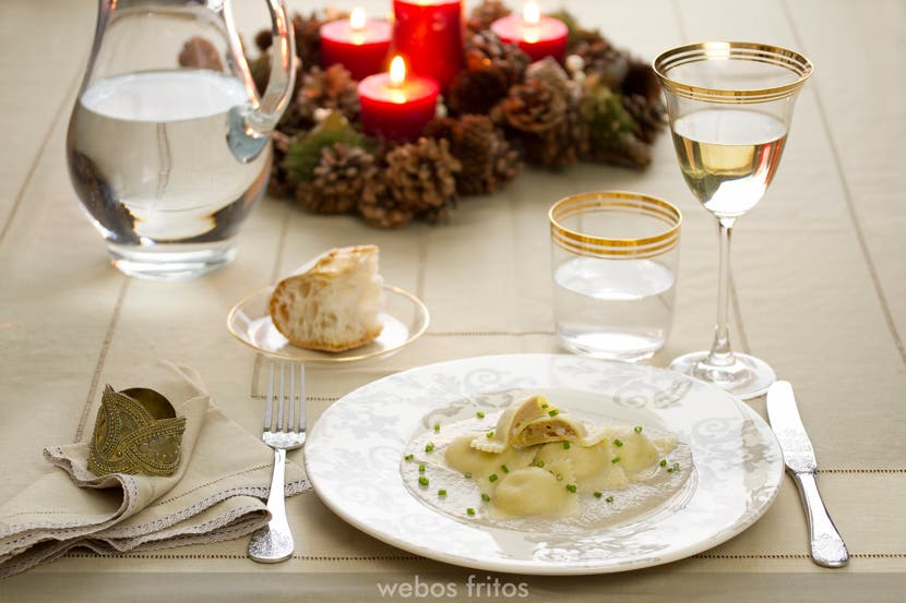 Ravioli de langostinos con salsa de champiñón