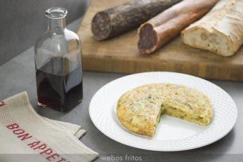 Tortilla de aprovechamiento de la parte verde de las cebolletas