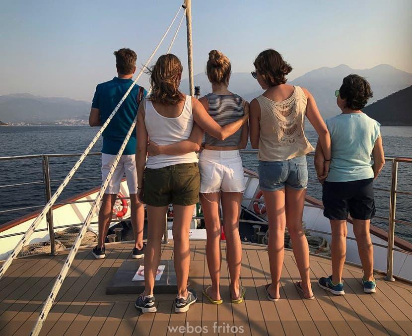 Entrando en la bahía de Kotor
