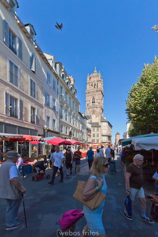 Rodez. la Catedral y el mercado