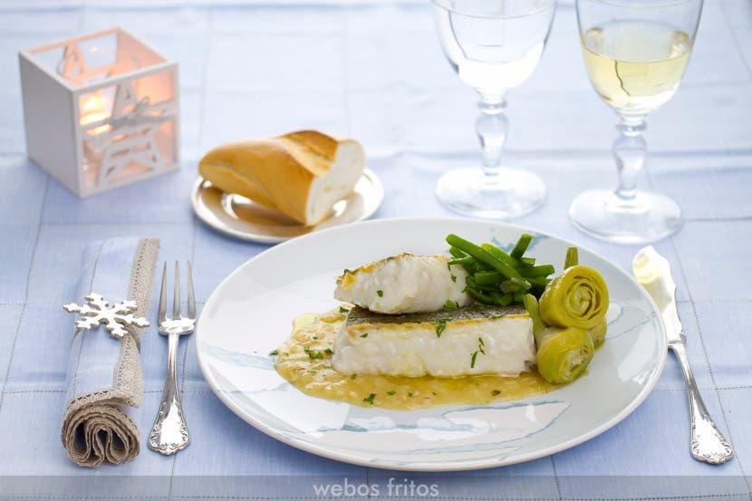 Bacalao fresco en salsa y verduras