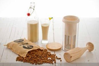 Utensilio para hacer leches vegetales