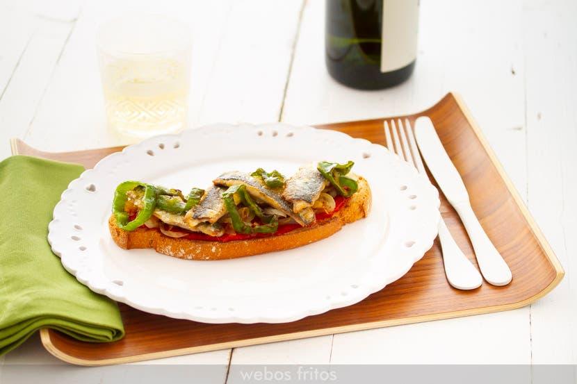Tostada de sardinas a la plancha