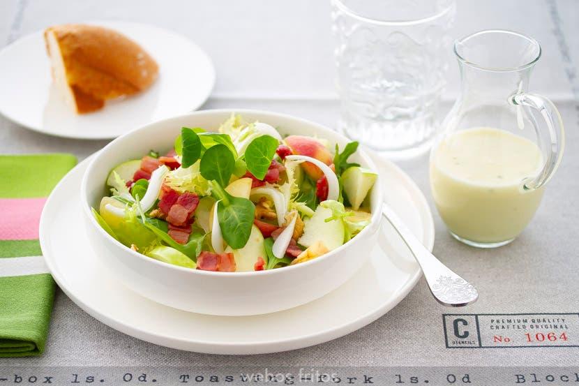Ensalada con frutas y vinagreta de yogur